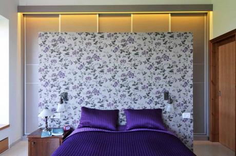 חדר שנה עם קיר stand alon