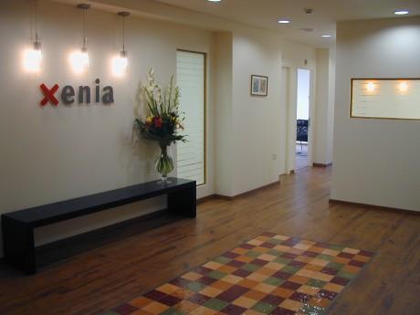 כניסה למשרדים אחרי השיפוץ